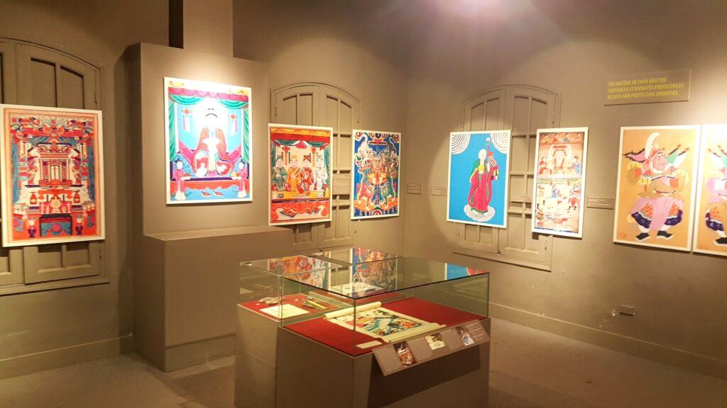 Výstava obrazů u Thang Long